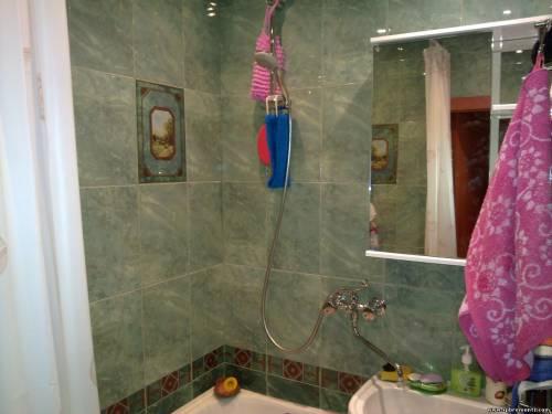 ванная комната зеленая плитка фото
